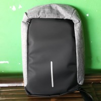 Tas Anti Maling Laptop 14 15,6 in dengan USB Eksternal power bank