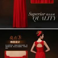 Gaun pesta panjang model simple warna merah bahan renda dan chifon