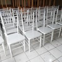 Kursi Tiffany - Kursi Pernikahan - Putih