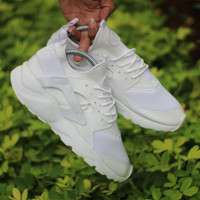 Nike Huarache LV Supreme Full White / sepatu wanita gym fitness couple