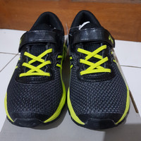 Sepatu anak laki laki merk Asics C741N Original