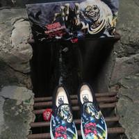 Sepatu Sneakers Vans Slip On (Iron Maiden 30th) BK / Number For Man