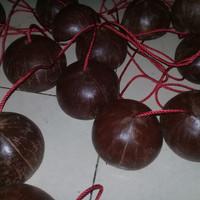 egrang batok kelapa mainan tradisional