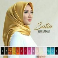 (Baru!!) Segi Empat Satin Polos / Jilbab Segi 4 Velvet / Satin Square