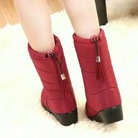 Promo Sepatu Boots Wanita Untuk Winter Unik