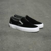 Rebelion Footwear Slip on