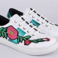 Sepatu Anak Wanita Kets Motif Bunga Branded Berkualitas Murah Terbaru