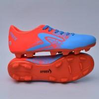 Sepatu sepakbola pria specs soccer batik