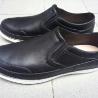 Sepatu Pantofel Karet Pria - 7091