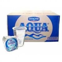 Air mineral merk Aqua kemasan gelas