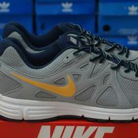 Nike Revolution 2 Soft Grey Swosh Orange