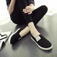 sepatu slip on casual wanita flat shoes poxing SMILE
