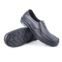 Sepatu Pantofel Karet Pria - ATT SAB 415