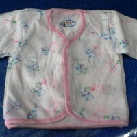 baju atasan bayi model kancing usia 1-6 bulan panjang 27 cm.lebar dada