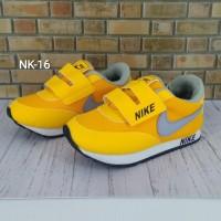Sepatu Nike Anak Orange