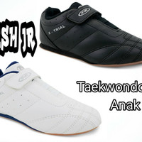 Sepatu Taekwondo dan Sekolah Fans - Rush JR