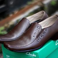 Jual sepatu pria pantofel Clarks kulit Fashion Pria