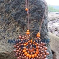 Harga kalung etnik jember kayu kopi model bunga matahari oleh kampung | Pembandingharga.com