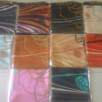 jilbab segi empat velvet motif bahan sutera satin