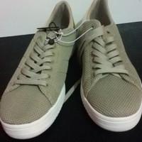 sepatu rubi singapur