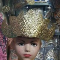 Mahkota kepala lampung adat tradisional