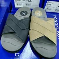 Sandal pria YONGKI KOMALADI original BNIB fullse
