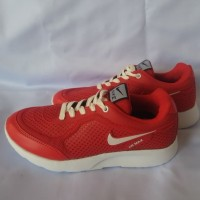 Sepatu Olahraga Pria dan Wanita Nike Airmax warna merah putih 39-43