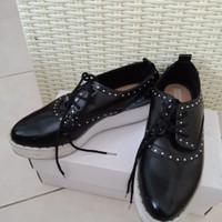 Harga Sepatu Bershka Travelbon.com