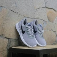 Promo Sepatu Nike Tanjun Pria Wanita Running Gym Fitness Lari Olahrag 193a6932dc