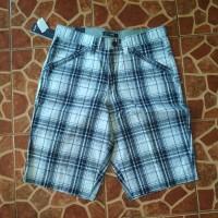 Celana pendek altic size M