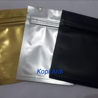 Sachet berwarna with zipper 15 gram 1 pack 100pcs
