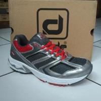 sepatu olahraga Desle super series original Limited