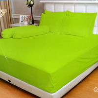 SPREI VALLERY QUINCY 120 X 200 X 30 SINGLE - EMBOS POLOS MINT