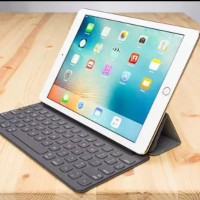 Apple Smart Keyboard iPad Pro 9.7 inch BNIB original