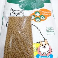 CAT FOOD MAKANAN KUCING OMEGA CAT TUNA REPACK DIATAS WHISKAS BOLT