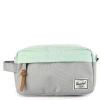 Tas Herschel Chapter Carry On Travel Kit