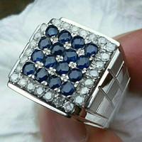 Cincin blue saphire bertaburlan berlian untuk pria (code NN7688)