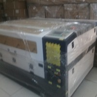 Mesin LASER GRAFIR CUTTING Acrylic JK 6040