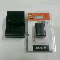 Paket Baterai Sony NP-FW50 with Charger for Sony Alpha A7 A7s Diskon