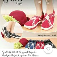 Sepatu Wedges Rajut Cyntia H912