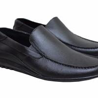 Sepatu Karet Pria Pantofel Sepatu Kerja Sepatu Formal C