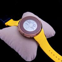 Jam tangan pria wanita Merk Gucci UniQue type 1144