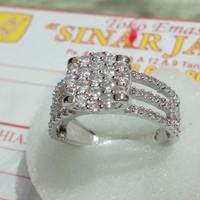 cincin emas putih diamond look kadar 750