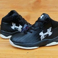 SEPATU BOOTS ANAK UNDER ARMOUR BLACK LIST WHITE IMPORT