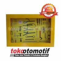 Tempat Alat Bengkel / Wall Rack Special Tools Kayu