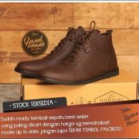 Sepatu Casual Boot Pria Mode brodo Terbaru antik
