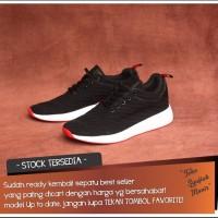 5f260bd9843b8 Sepatu Adidas NMD Terlengkap - Harga Sneakers Adidas NMD Terbaru