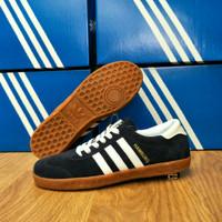2025240_f14bf352-cfd8-4562-8488-72c271346b10_960_960 Kumpulan List Harga Sepatu Adidas Hamburg Terbaru bulan ini