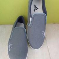 TERKEREN Sepatu Casual Adidas Anak kuliah Warna Hitam sekolah kantor