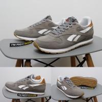 Jual Sepatu Running Reebok Rebook Reebook Classic Suede Grey White Casual Murah